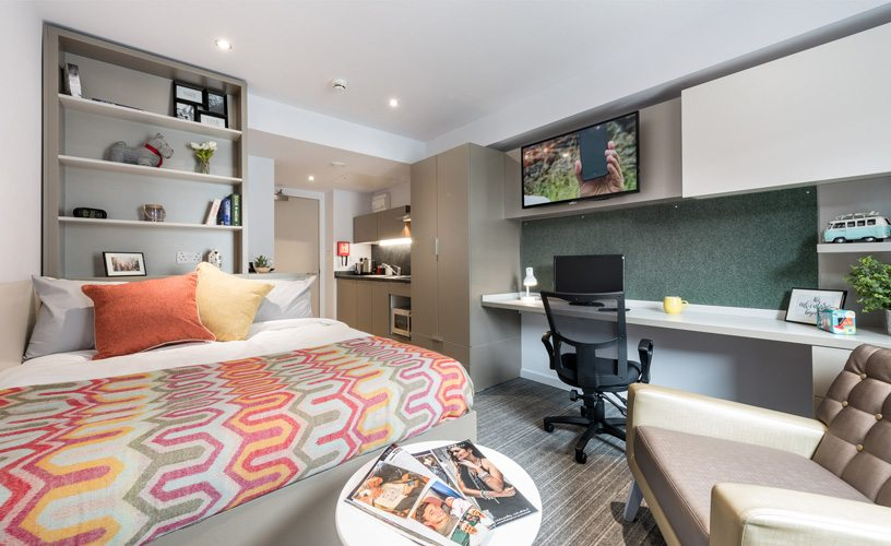 Online dating london students accommodation