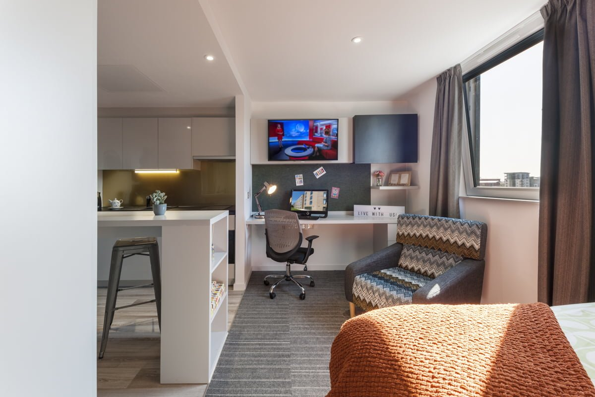 New Park Studio Apartment Silver Plus